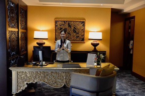 Private check-in and check-out from Dusit Club Lounge