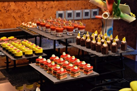 Dusit Club Lounge desserts from 05:30pm to 07:30pm