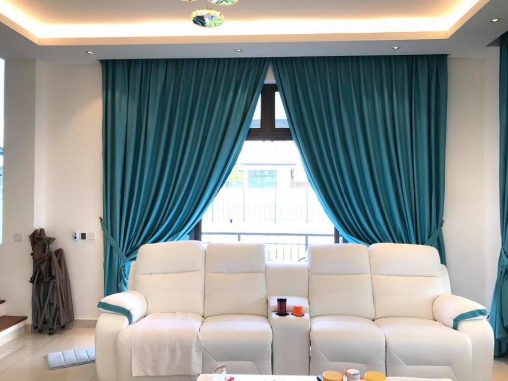 BEST CURTAINS FOR LIVING ROOMS IN DUBAI on Living Room:5J0Grrq-Soy= Curtains Design  id=87762