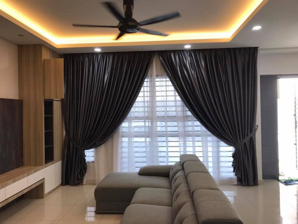 BEST CURTAINS FOR LIVING ROOMS IN DUBAI on Living Room:5J0Grrq-Soy= Curtains Design  id=66416