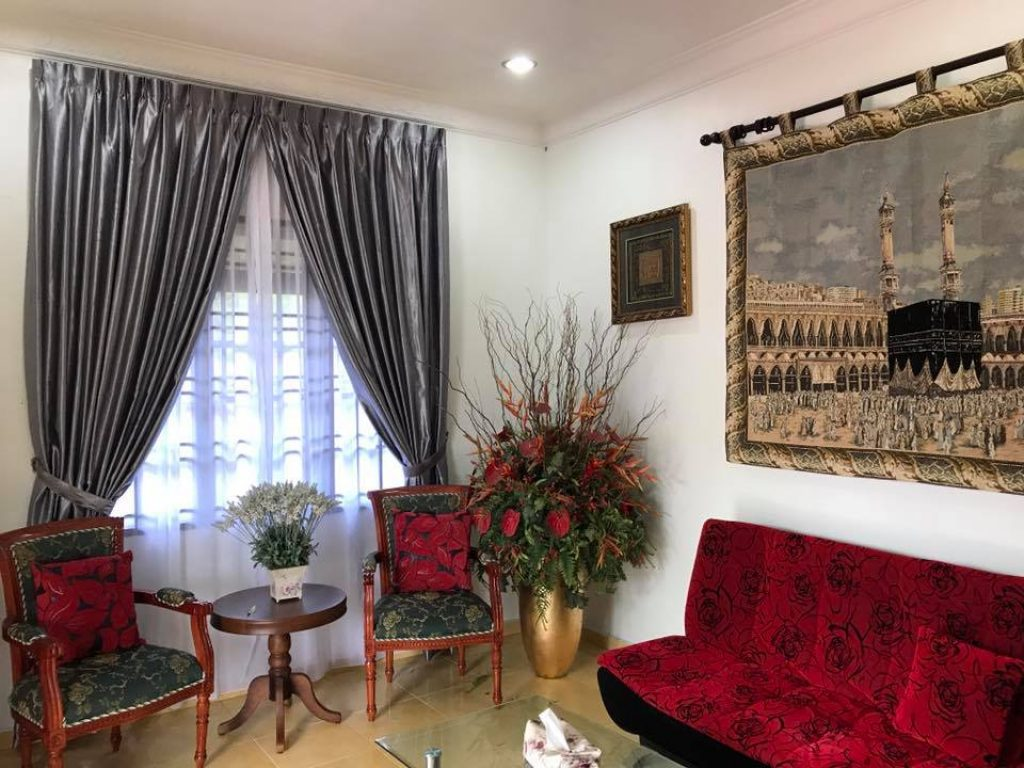 BEST CURTAINS FOR LIVING ROOMS IN DUBAI on Living Room Curtains Ideas  id=69724