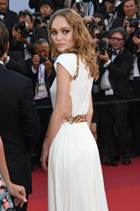 11 Lily-Rose-Depp-CANNES FESTIVAL DUBAI FASHION NEWS