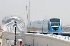 The Metro train is tested on a stretch of completed track opposite Jebel Ali Free Zone. The train with a driver clearly visible in the front carriage made several journeys of about 400 meters from the station under construction to the end of the line at the Jafza International Headquarters building.