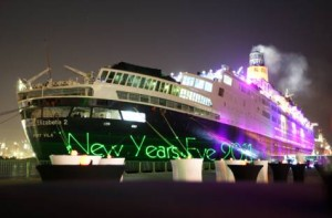 *  Image Credit: Asghar Khan/Gulf News     * The Queen Elizabeth 2, docked in Dubai, opens to the public for a glamorous New Year's celebration from Saturday evening to the early hours of Sunday morning.