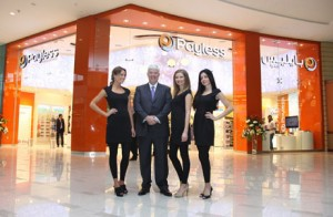 Steve Gish with Payless models.