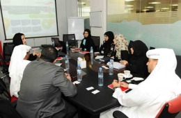The meeting included a video presentation highlighting various sections of the Customer Service Department, and tasks entrusted to the 7 customer service centers spread across the Emirate of Dubai.