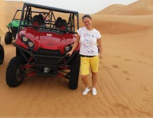 Buggyval a sivatagban, Dubai
