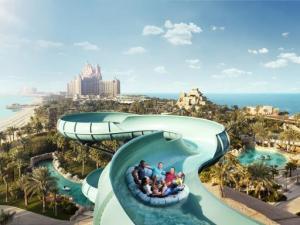Atlantis Aquaventure vízi vidámpark, nagy csúszda