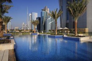 JV Marriott Marquis Dubai, úszómedence