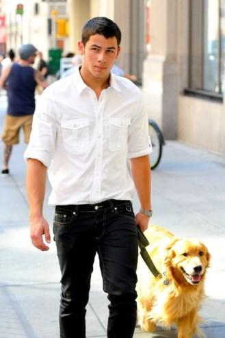 Nick+Jonas+takes+dog+walk+NYC+wearing+white+1LHsdEUQHrrl