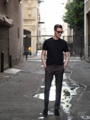 T-Shirts-V-Neck-Crew-Neck-Ashley-Weston-Mens-Wardrobe-Essentials-Outfit-11