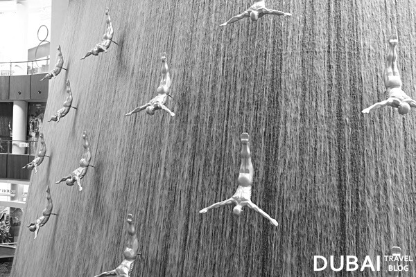 the dubai mall human falls