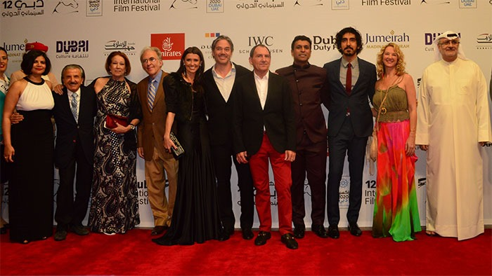 Cast-and-Crew-of-'The-Man-Who-Knew-Infinity'-at-the-Red-Carpet-event.-Photo-by-Kanchan Megchiani