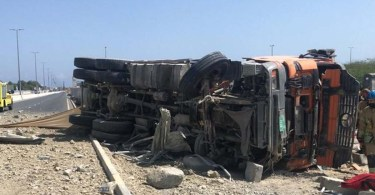 Asian expatriate driver dies after truck overturns in Fujairah