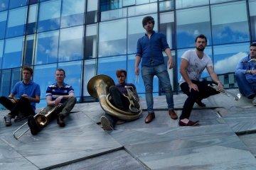 Book Brass Band @ Yule