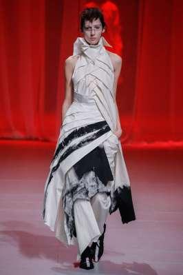 aganovich-fashion-week-spring-summer-2017-paris-womenswear-004