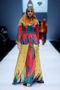 lusense-kd-and-hans-virgoro-spring-summer-2017-jakarta-womenswear-catwalks-010