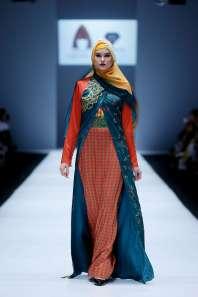 lusense-kd-and-hans-virgoro-spring-summer-2017-jakarta-womenswear-catwalks-014