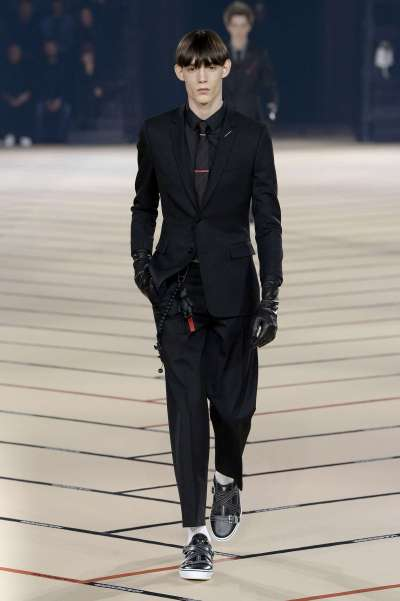 dior-homme-fall-winter-2017-paris-menswear-catwalks