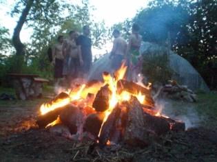 Żar ognia, i rozżarzone kamienie do czerwoności - dla wspierania w transformacji wszystkich naszych związków