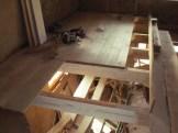 Na tym drewnianym stropie będzie pływająca podłoga wyciszająca