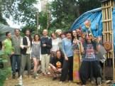 Wspólna fota na zakończenie przed namiotem sauny.