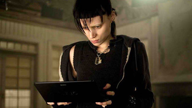 girl_dragon_tattoo_computer_a_l