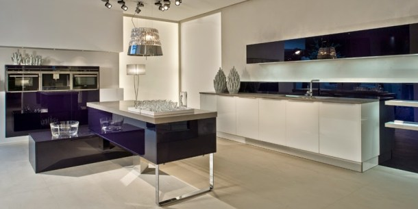 glass splashbacks for kitchens #kitchens www.ducksnarow.com