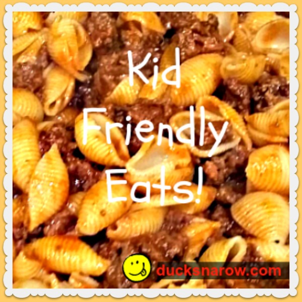 Kid-friendly one-skillet meal the whole family will love! #DucksnaRow #kidapproved #easydinners