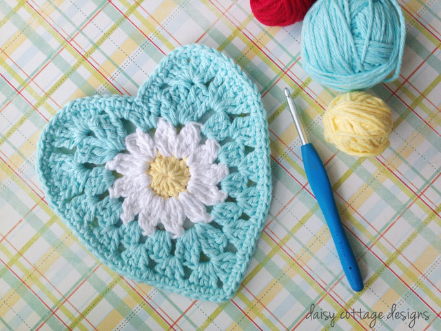 Granny heart daisy pattern by Daisy Cottage Designs