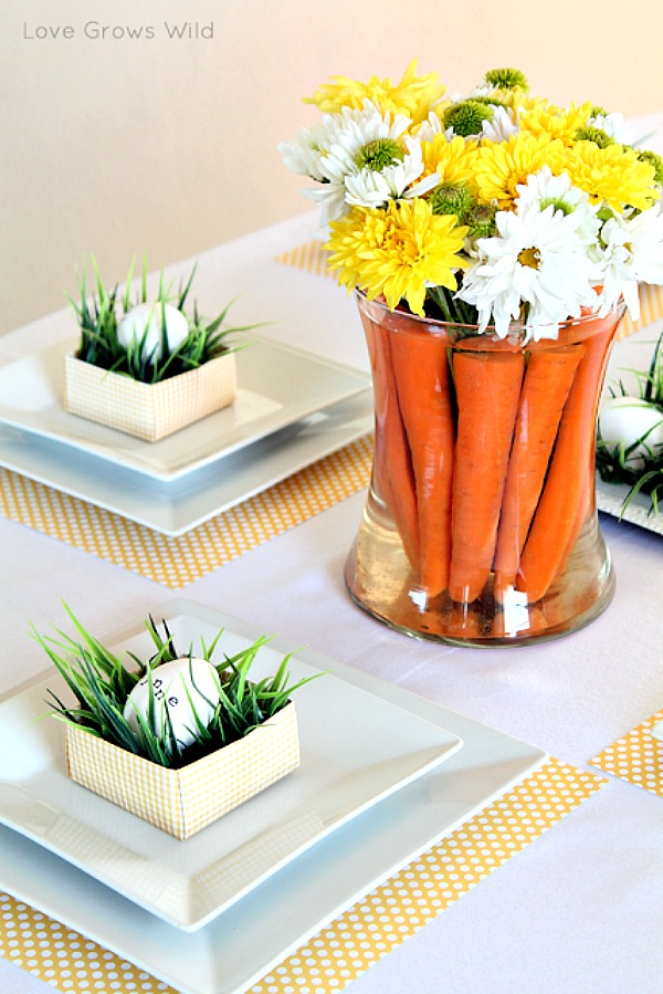 Easter tablescape with carrots in the vase #homedecor