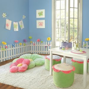 Decorate your little girl's room so nice with daisy pillows!