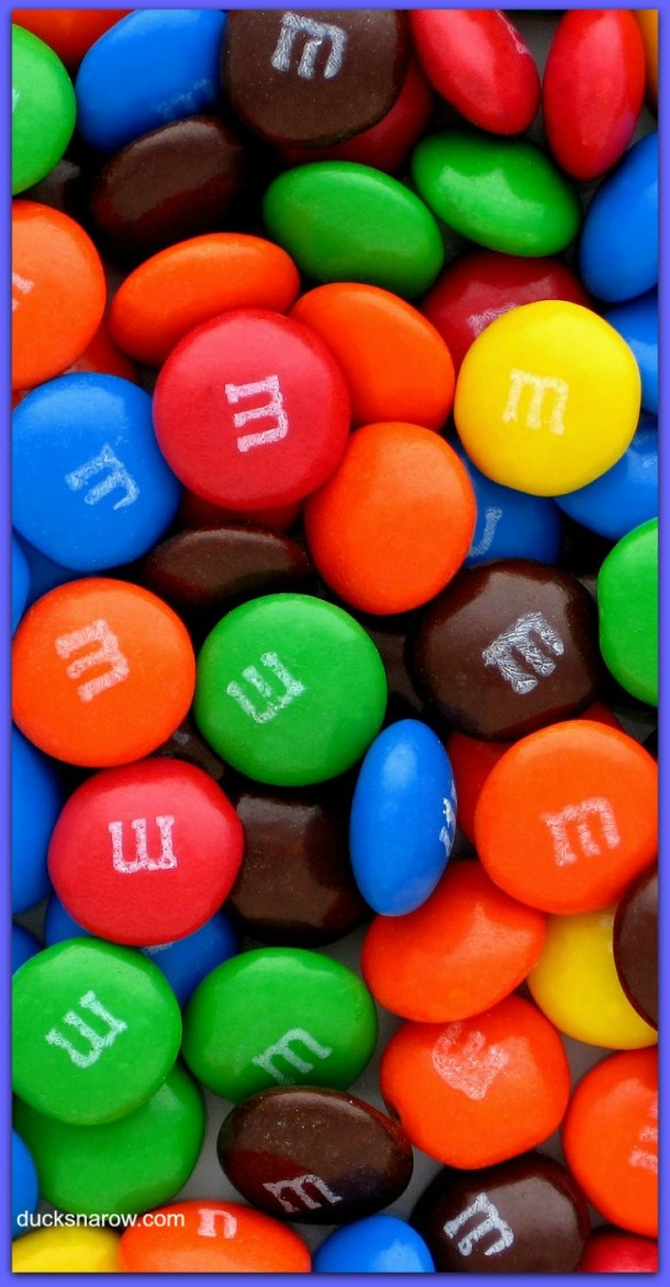 Traditional M&M's colorful candies get a new look at special times - see the Patriotic theme for July 4! #ad