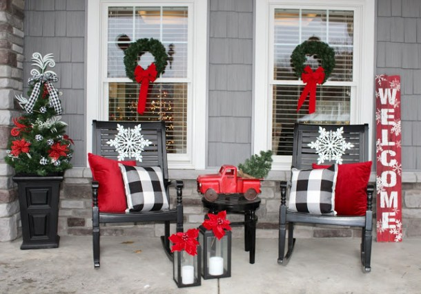 Outdoor Christmas Decor from Living On Cloud Nine