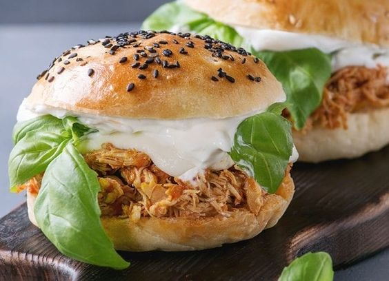 3 ingredient crockpot Buffalo chicken sandwich #recipes