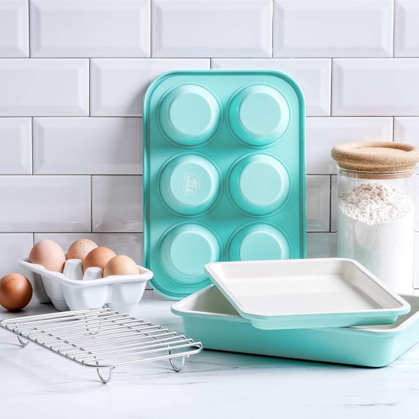 Bakeware for the toaster oven