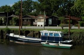 CP-DSC_7482-bateau, annexe & chalets
