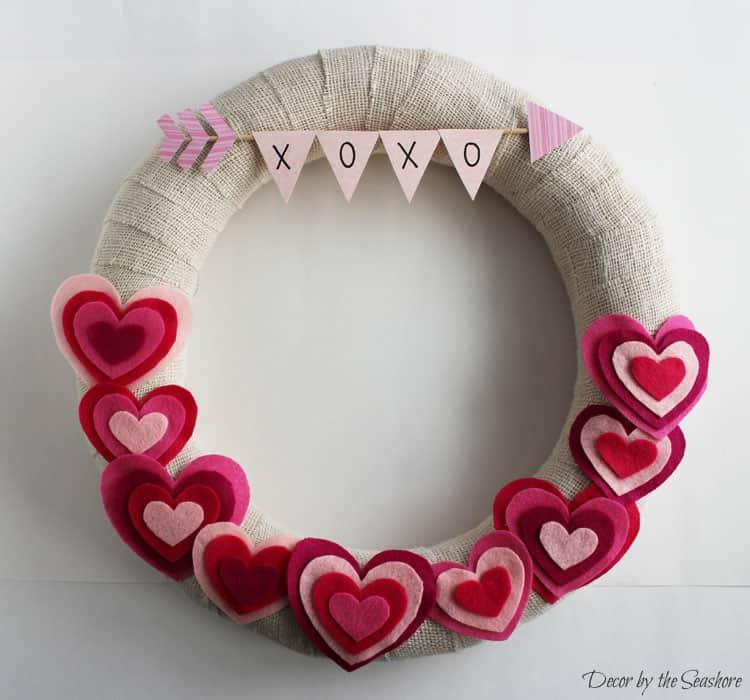 17 DIY Valentines Day Wreaths To Make