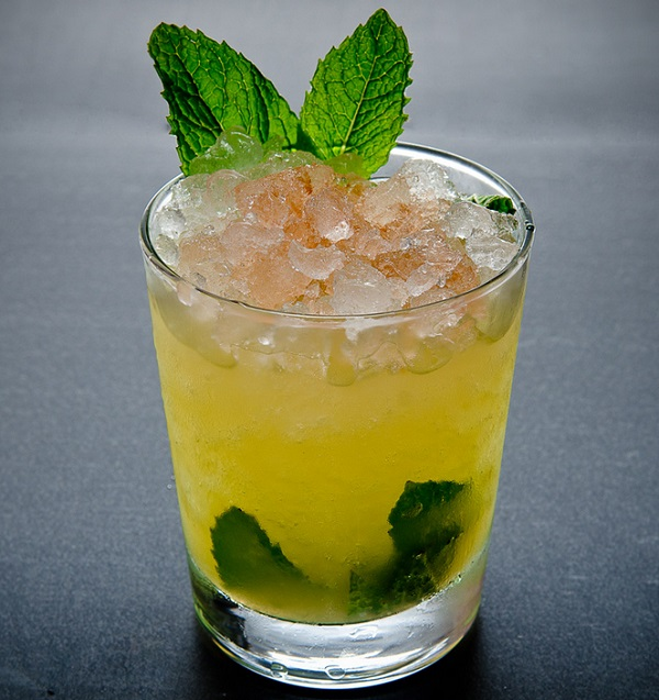 MINT JULIP whiskey drink recipe