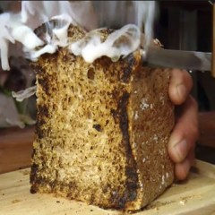 "Somebody Invented a ""Toaster Knife"" and it Actually Works!"