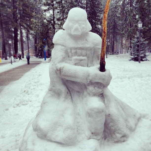 darth-vader-snow-art