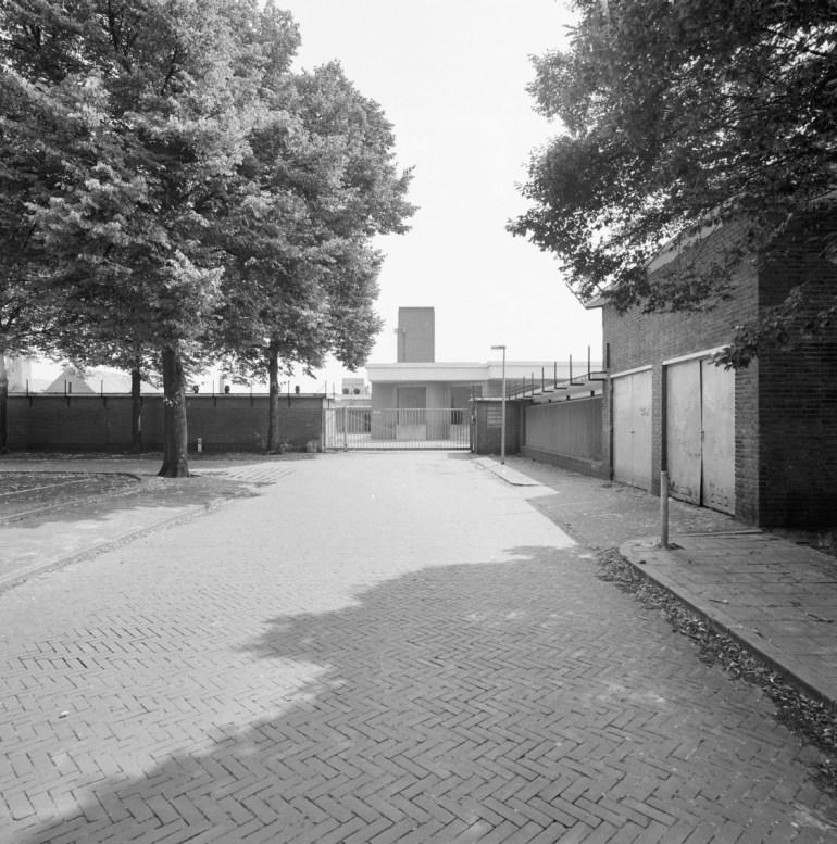 Ingang Slachthuis, juli 1995. Bron: Rijksdienst voor het Cultureel Erfgoed.