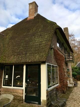 """Villa familie De Boer, J. van Woensel Kooylaan, Naarden. (""""Landhuis Mieko""""). Ontwerp: Dudok. Foto: Peter Veenendaal."""