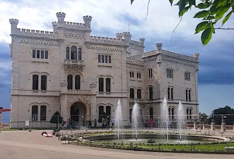 miramare_mostra_Liberty_Trieste_due-minuti-di-arte