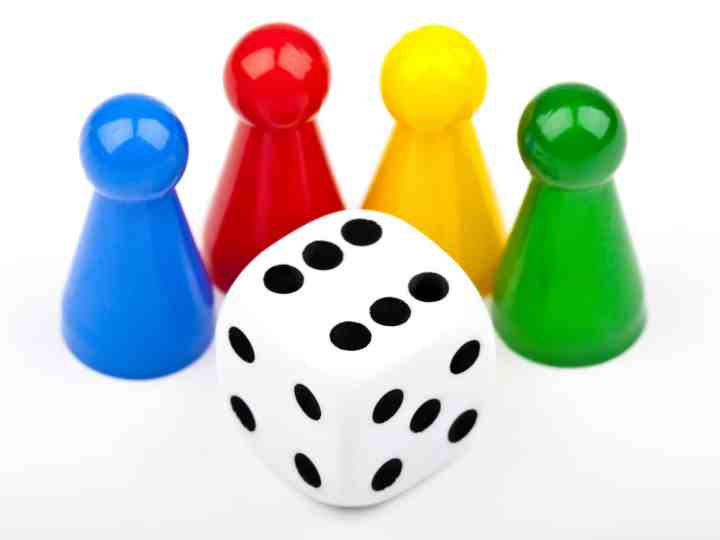 Four Ways To Begin A Weekly Family Game Night