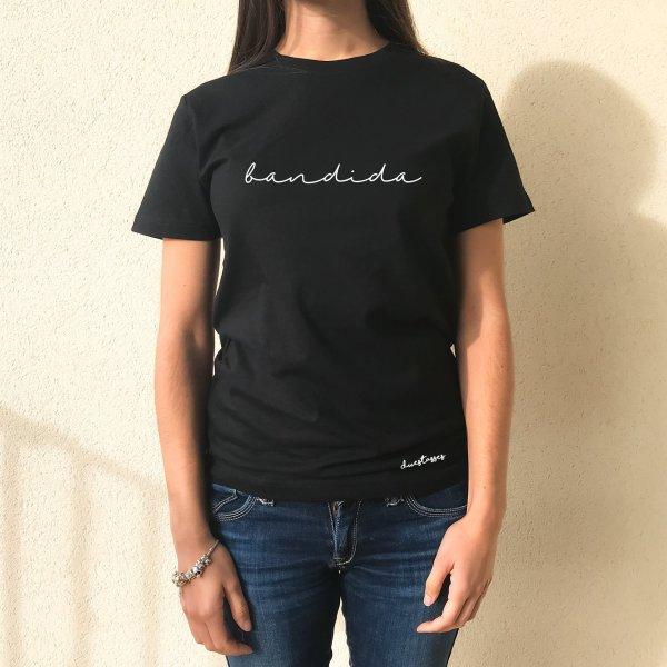 camiseta negra chica bandida