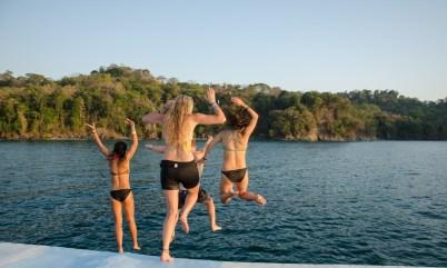 Catamaran cruising (and jumping) in Manuel Antonio National Park