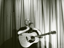 Dick Appleton's superb guitar set included Ain't No Joke, from his new album. The Bill & Ben line was really very funny tho...