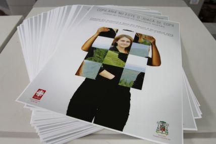 Afișe pe tipar digital agentie de publicitate dugheana de printuri romania tipar print grafica