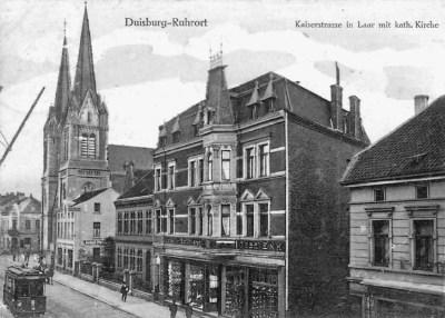 Kaiserstraße in Laar mit Kirche St. Ewaldi 1910, heute heißt sie Friedrich-Ebert-Straße.